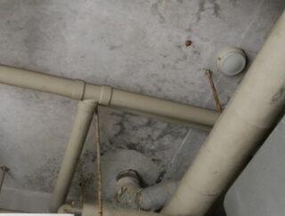 古くなった配管は適切に処分していますか?